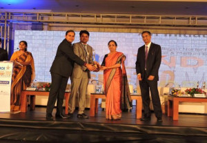 Altem-Technologys-Founder-Director-P-...-ing-the-Indian-SME-100-Awards-2014.-300x207